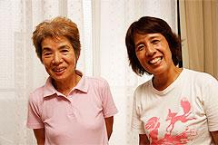 こんにちは!サポーターの中島さん(左)、どんまいママ代表の渡辺さん(右)。